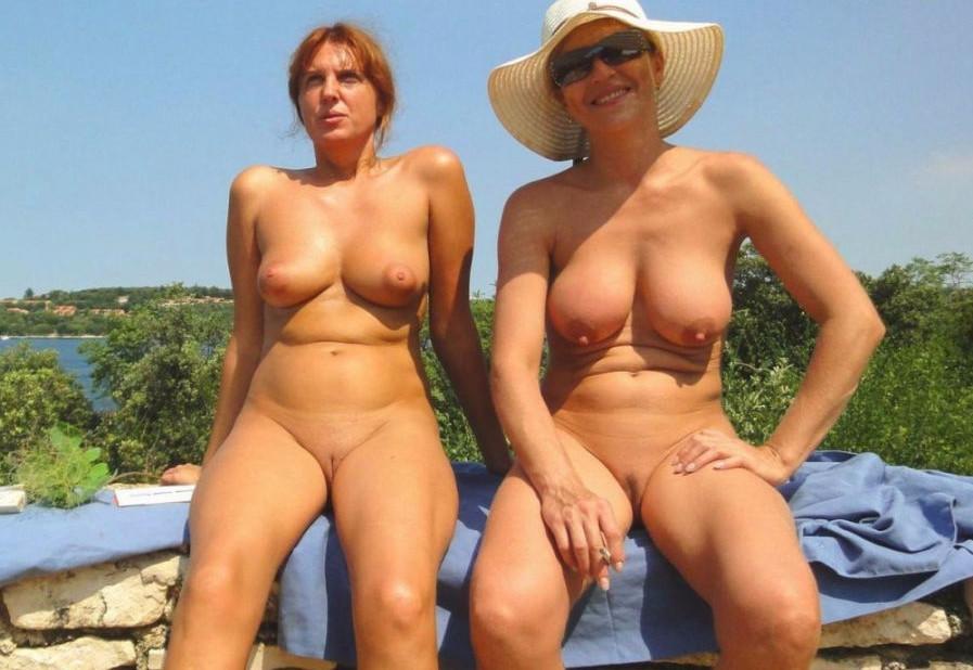 Nackt angezogen paare und Teen nackt