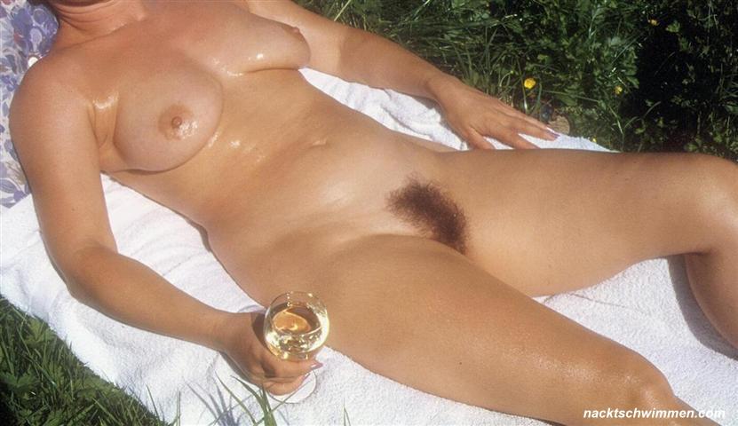 Sabine ist nackt