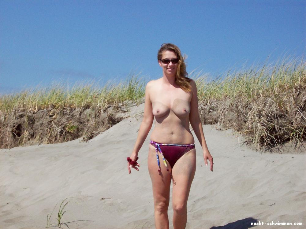 Nackt schwimmen frauen beim Nackt und