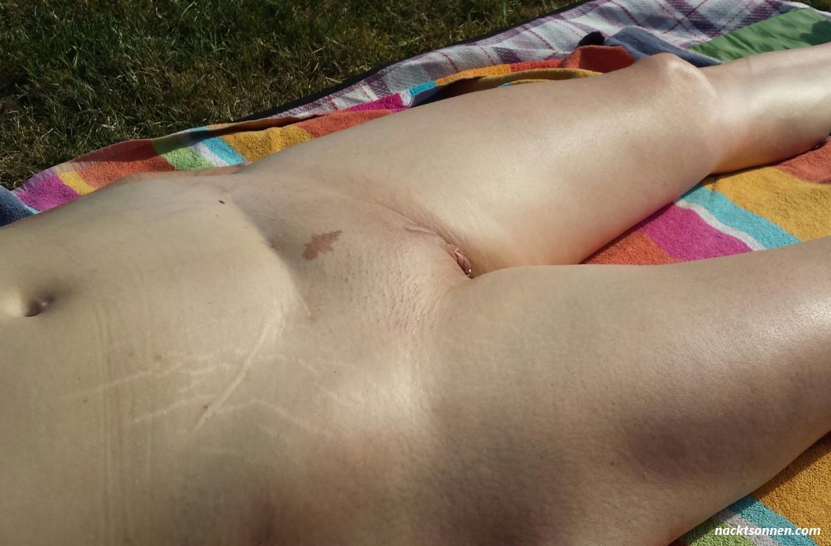Beine nackt gespreizte Beste Nackt