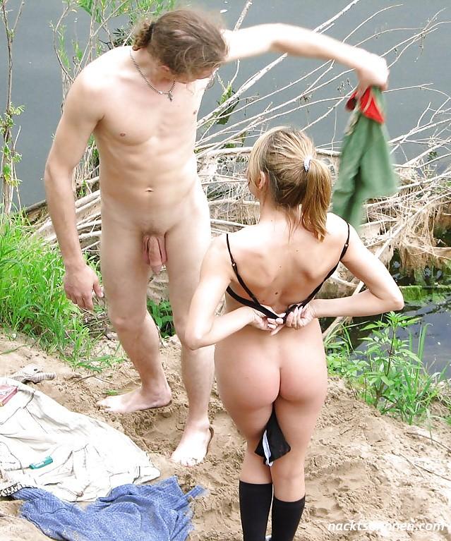 Kumpel nackt im bett