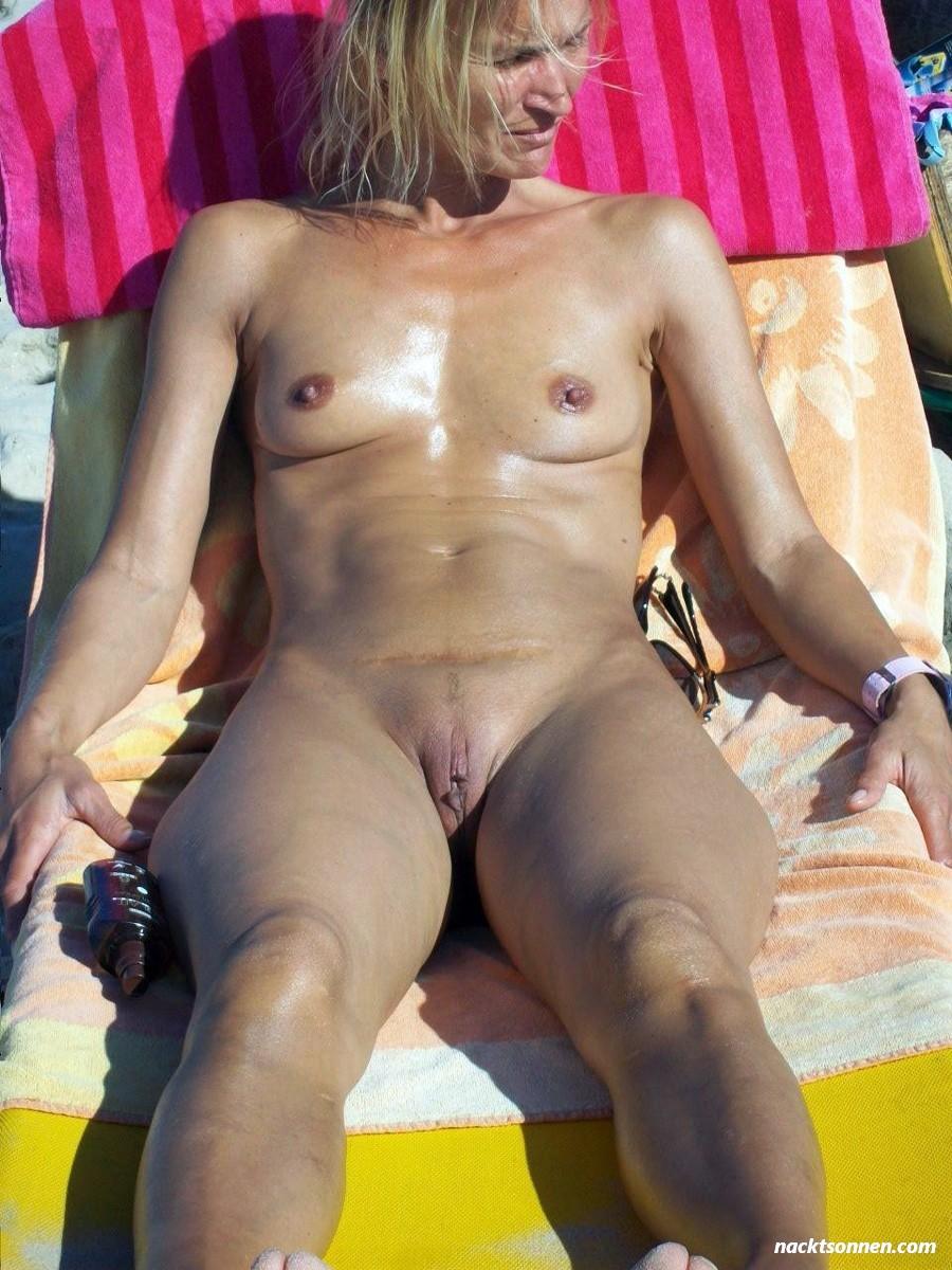 Frauen nackt sonnen