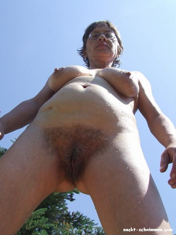 Nackt im busch