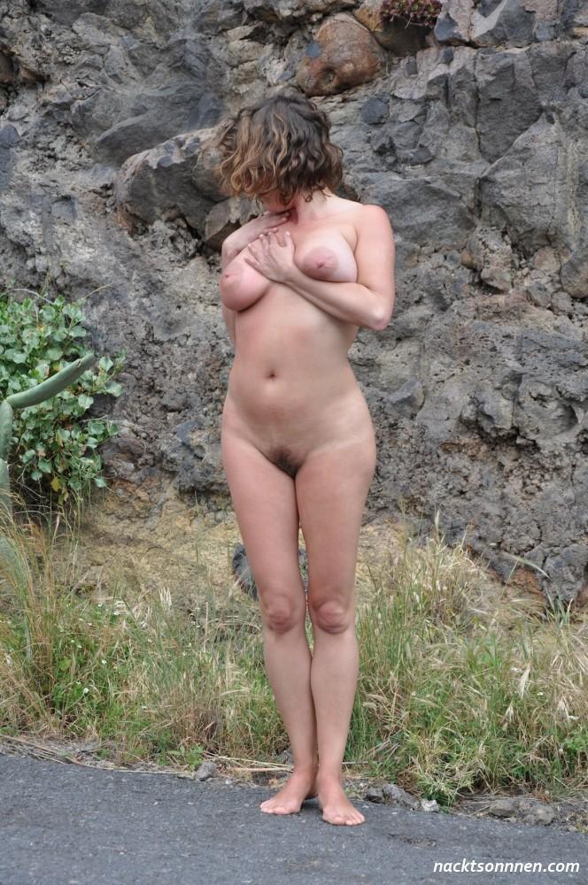 Der straße frauen auf nackte Nackt in