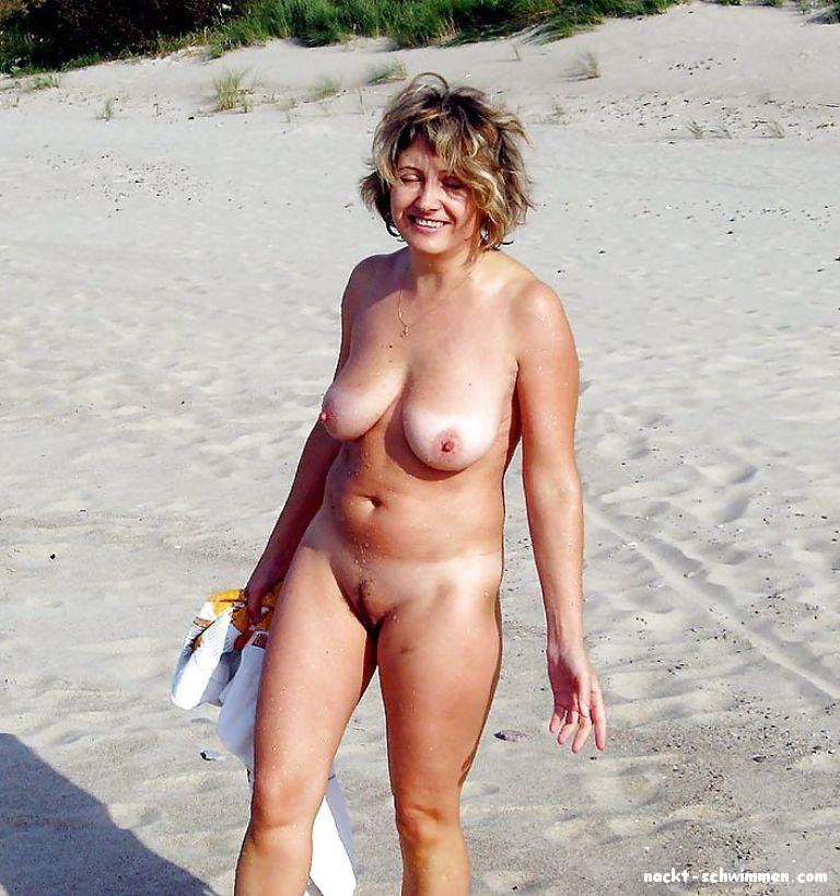 Nackte Frauen Unterwegs