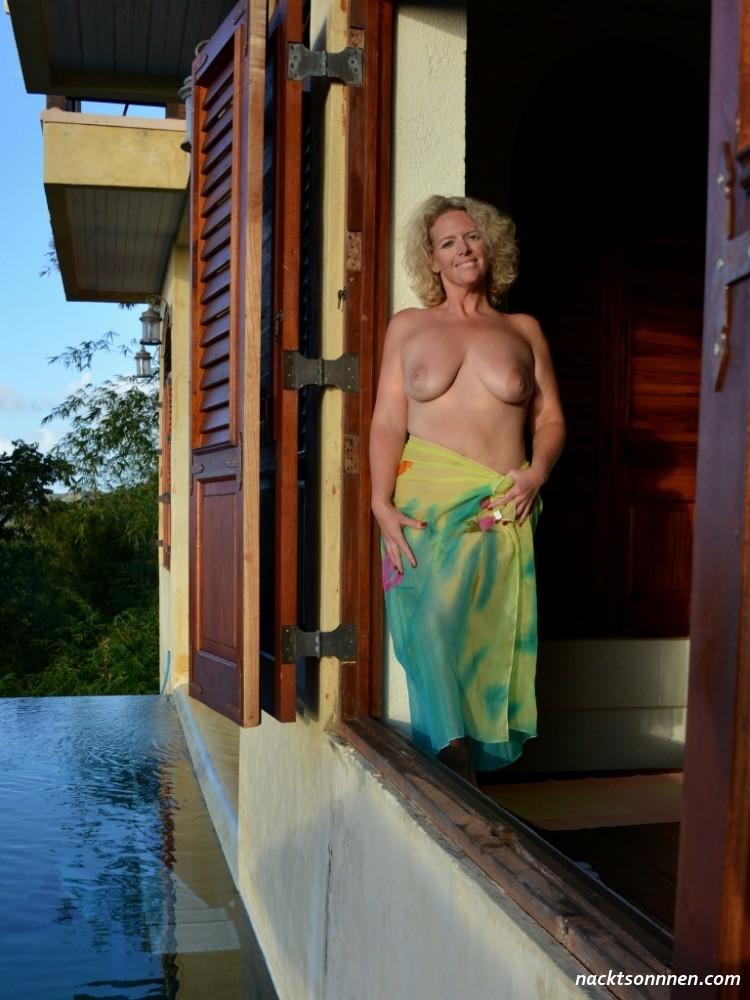 Schöne frauen nude