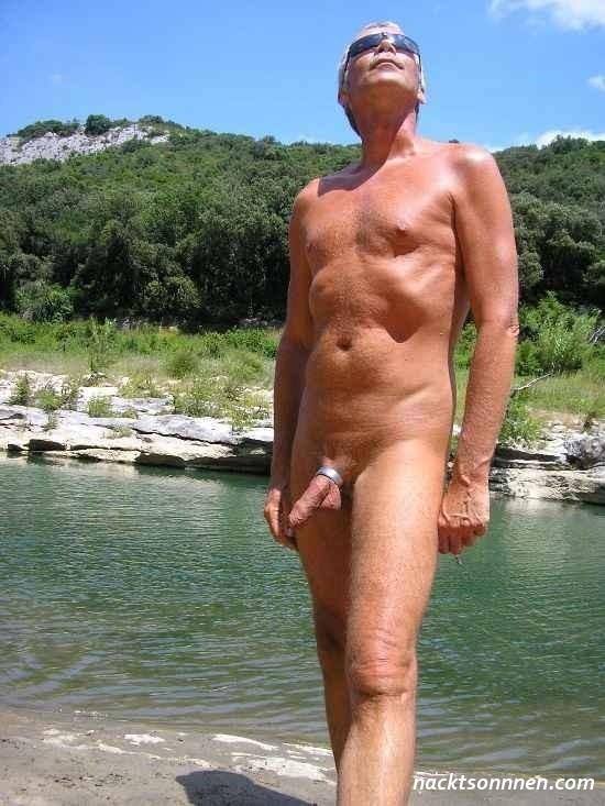 mann nackt strand