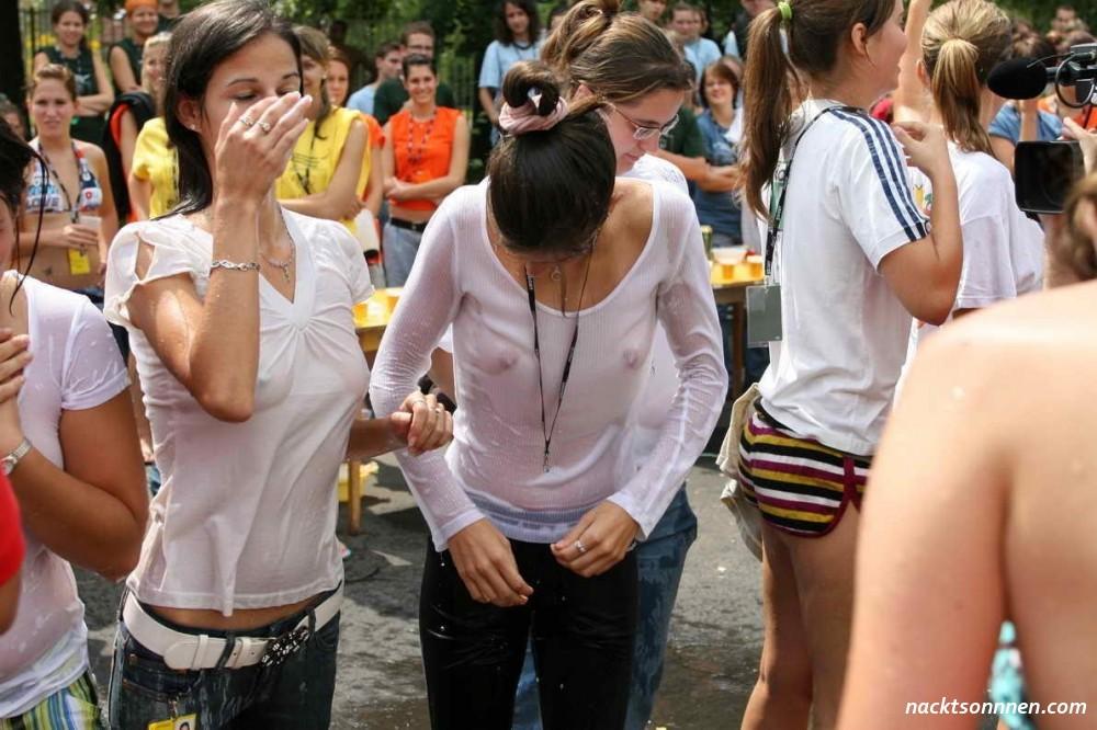 Tumblr Drunk Girls Wet T Shirt Contest