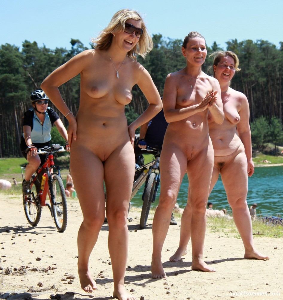 French court to rule tuesday on royal nude photos