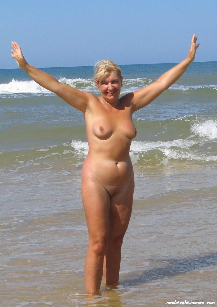 Schöne frauen nackt am strand