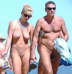 Nackt sonnen paare